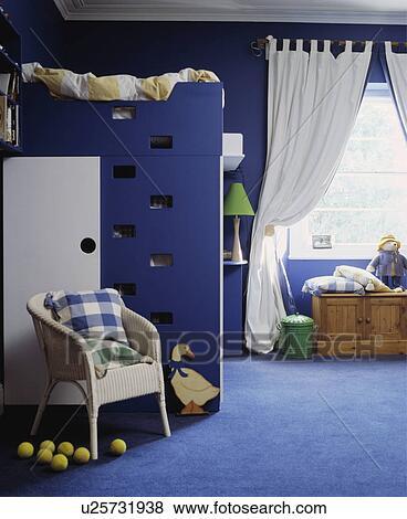 Beeld - witte, lloyd, weefgetouw, stoel, voor, blauwe, perron, bed, in ...