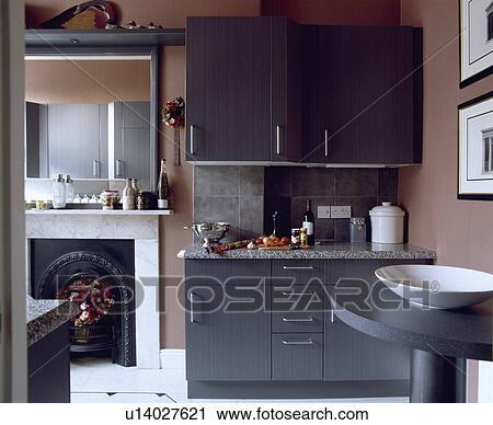 Stock fotografie   hippe, verbleek bruin, keuken, met, grijze ...