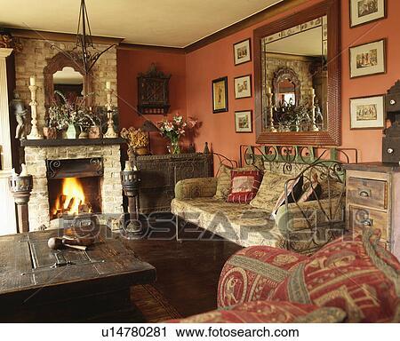 fotografico - specchio, sopra, caminetto, in, tradizionale, soggiorno ...