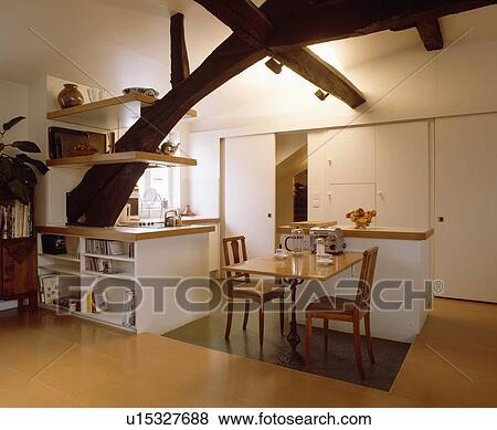 Immagini andato bene armadietto e mensole su grande - Mensole cucina legno ...