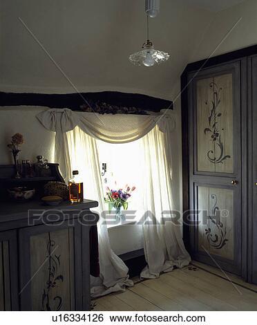 Archivio di immagini   bianco, tenda, su, finestra, in, cottage ...