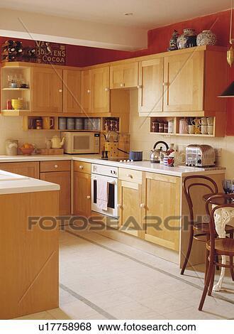 Immagini pallido legno moderno cucina con calcare - Mattonelle pavimento cucina ...