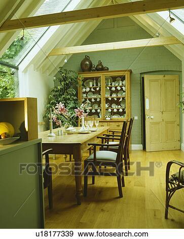 stock fotograf - hölzerner bodenbelag, in, pastell, grün, Esszimmer dekoo