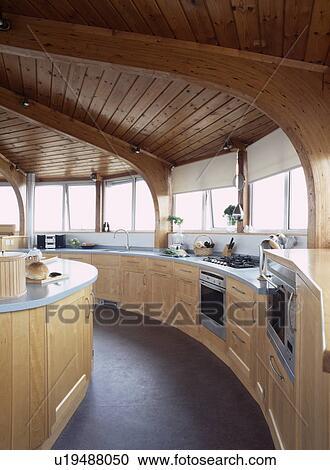 Banques de photographies bois plafond dans circulaire p le bois moderne cuisine - Plancher ardoise cuisine ...