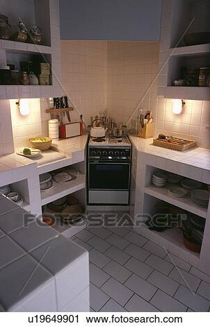 Stock fotografie   hoek, oven, en, open, witte, tiled, planken, in ...
