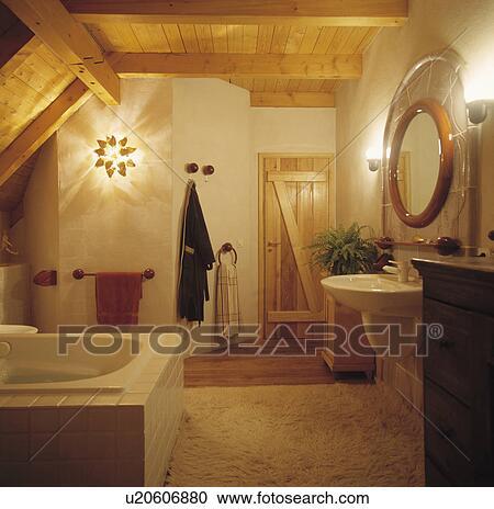 stock fotografie muur lichten in land badkamer met