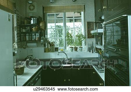 Archivio immagini   piccolo, cucina, con, acciaio inossidabile ...