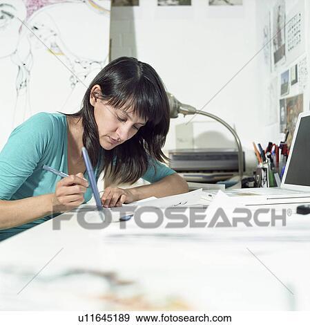 Colecci n de fotograf a joven hembra ilustrador for Ministerio de interior en ingles