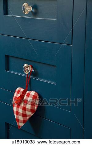 Billeder   close up, i, red checked, fabric, hjerte, på, glas ...