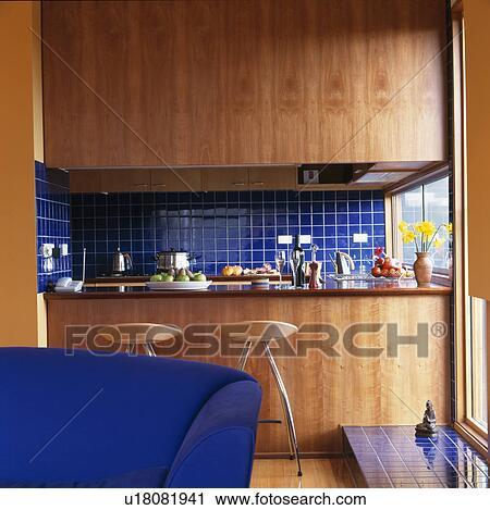 Stock fotografie   hippe, keuken, met, hout lambriseren, en blauw ...