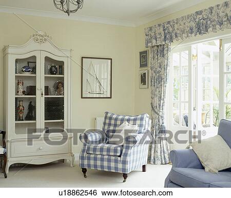 design : wohnzimmer blau weiß ~ inspirierende bilder von ... - Wohnzimmer Blau Schwarz