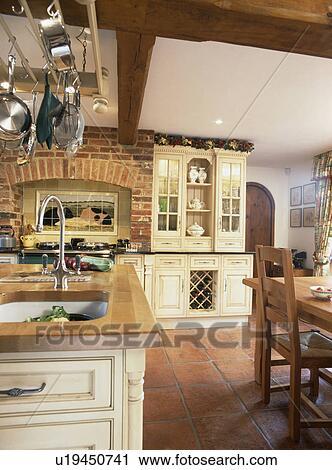 Arkivfotografi - terracotta, gulvfliser, inn, fløte, land, kjøkken ...