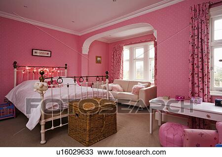 Colorful Traditional Living Room Pictures Illustration - Living Room ...