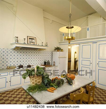 Beelden   groentes, op, marmer, tafel, in, keuken, met, bruine, en ...