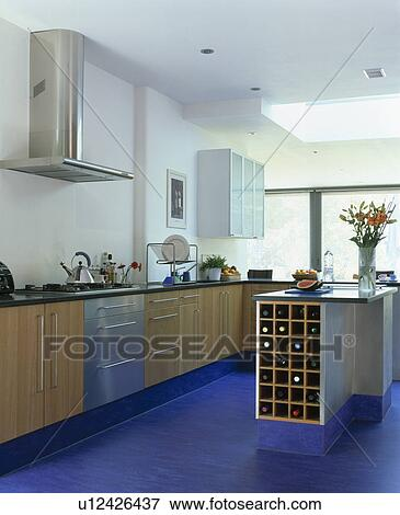 Beeld   blauwe, marmoleum, bevloering, in, hippe, witte, keuken ...