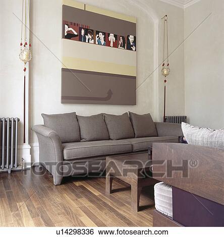 banque d 39 images grand image au dessus gris sofa dans habiter moderne salle plancher. Black Bedroom Furniture Sets. Home Design Ideas