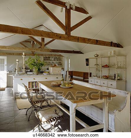 Table salle manger bois de grange for Salle a manger grange
