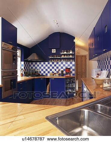 Beeld   blauwe, gepaste, eenheden, in, hippe, keuken, met, blue  ...