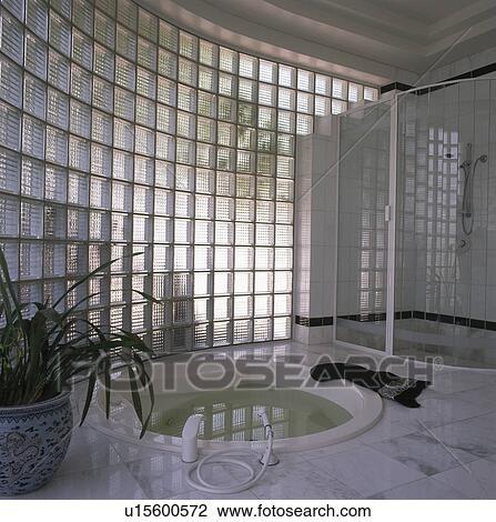 coleccin de foto curvo pared vidrio en moderno cuarto de bao