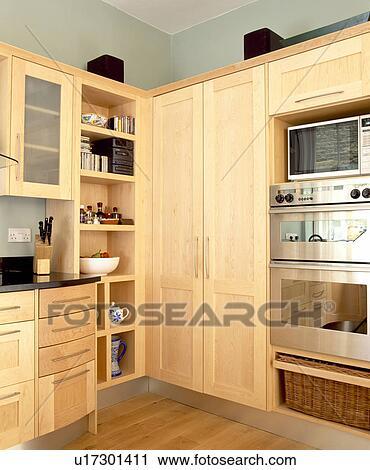 Banques de photographies p le bois unit s dans for Placard garde manger cuisine