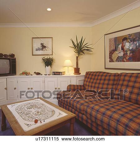 Wohnzimmer Orange Blau ~ Innen- und Möbelideen
