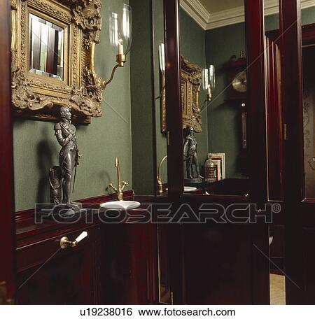 Stock Bilder - bronze, statue, auf, regal, oben, klein, ecke ...