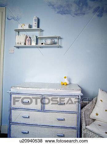 Beelden geverfde blue white ladenkast in kind pastel blauwe slaapkamer u20940538 zoek - Pastel slaapkamer kind ...