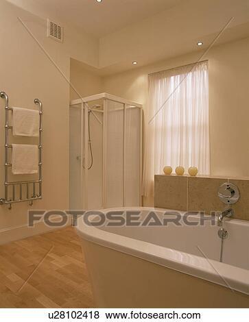 Immagini   angolo, doccia, gabinetto, in, nodern, bianco, bagno ...