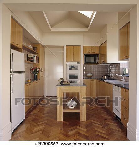 Tabella sezione cavi elettrici parquet moderno foto - Sezione cavi elettrici casa ...