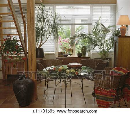 Colecci n de im gen peque o circular mesa de vidrio y for Mesas y sillas para comedor pequeno