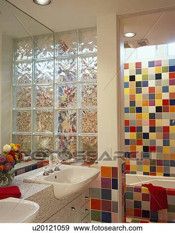 Colección de fotografía - ladrillo de vidrio, divisorio, pared, en ...