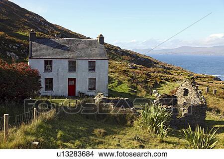 Archivio fotografico repubblica irlanda sughero contea for Casa tradizionale islandese