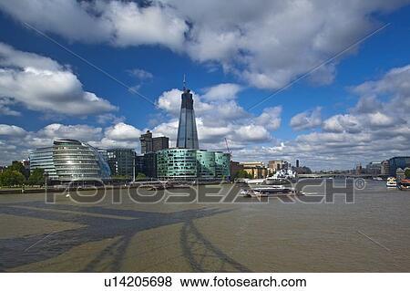 Images angleterre londres southwark vue depuis for Hotel de ville de londres architecture