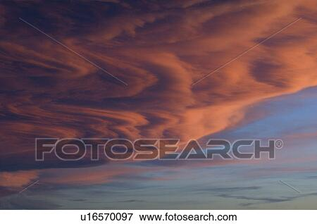 Picture of Chinook Cloud at Sun Set. These clouds often form when ...
