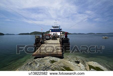 Stock foto de mv dageraad een 135 voet tussenverdieping schuit set het is ladende - Centraal eiland om te eten ...