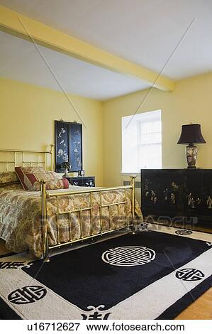 bild meister schalfzimmer mit messing bett chinesischer m bel und einrichtung auf. Black Bedroom Furniture Sets. Home Design Ideas