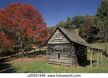 Stock photograph of cabin fall foliage blue ridge for Log cabin blue mountains