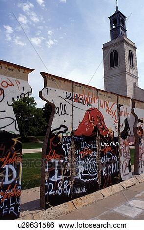 Stock afbeeldingen berlijnse muur kerk winston churchill universiteit fulton mo missouri - Muur bibliotheek ...