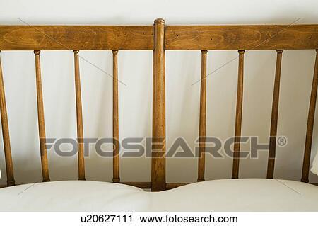 Banques de photographies d tail de bois divan for Coussins de divan