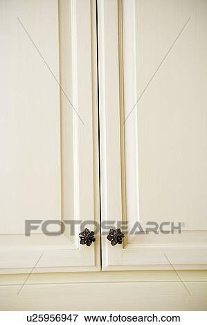 Beeld detail van witte keuken kabinetten u25956947 zoek stock fotografie foto 39 s prints - Beeld van eigentijdse keuken ...
