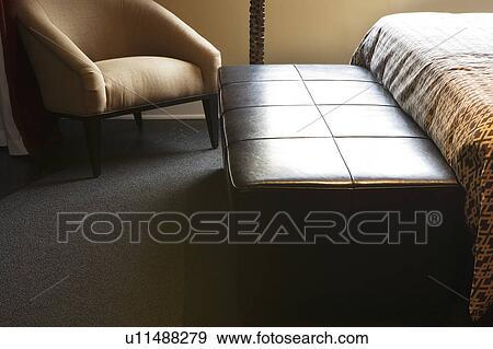 Stockfotografi   læder, bænk, ind, soveværelse u11488279   søg i ...