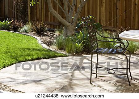 Fotos espalda patio y hierro forjado mobiliario de for Mobiliario de patio