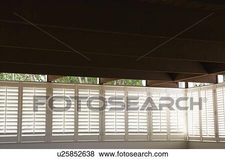 Finden Sie Plantage Fensterladen, Fensterrollos, Fenster Jalousien Teile auf Industry Directory, zuverlässige Hersteller / Lieferant / Fabrik aus China.