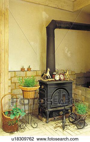 banque de photo int rieur pot fleurs ornements ornement pots fleurs mur chemin e. Black Bedroom Furniture Sets. Home Design Ideas