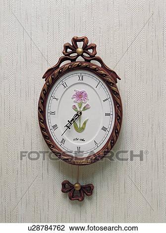 Banque de photo horloge int rieur montre d corations d coration mur d coration for Montre decoration