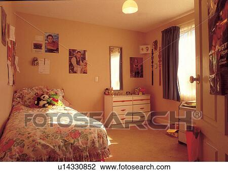 stock foto einrichtung zimmer m bel deco deko bettzeug kind zimmer u14330852 suche. Black Bedroom Furniture Sets. Home Design Ideas