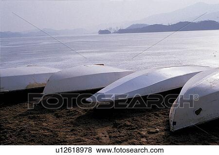 images eau transport bateau sable sablonneux yacht transport eau mer u12618978. Black Bedroom Furniture Sets. Home Design Ideas