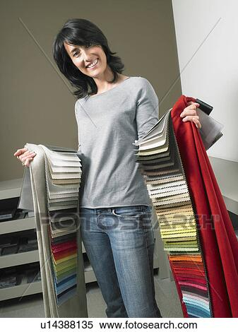 Archivio immagini femmina arredatore interni for Arredatore interni