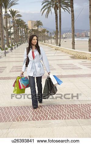 Время испания аликанте шоппинг