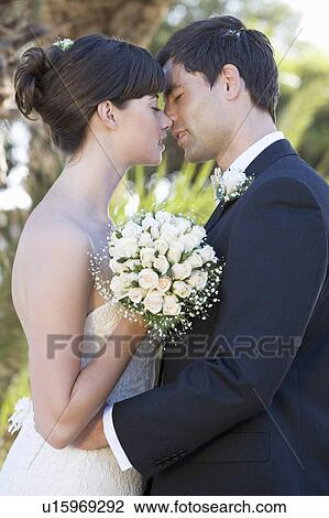 a, 新娘和新郎, 亲吻